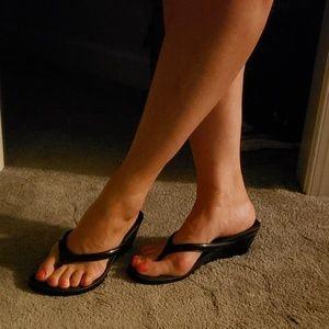 NEW PICS~Very Worn Apt 9 Slip On Sandal Wedges 9